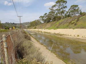 There are roughly 4,276 feet of concrete-flood channel in the Rose Creek Watershed. Photo: San Diego Earthworks